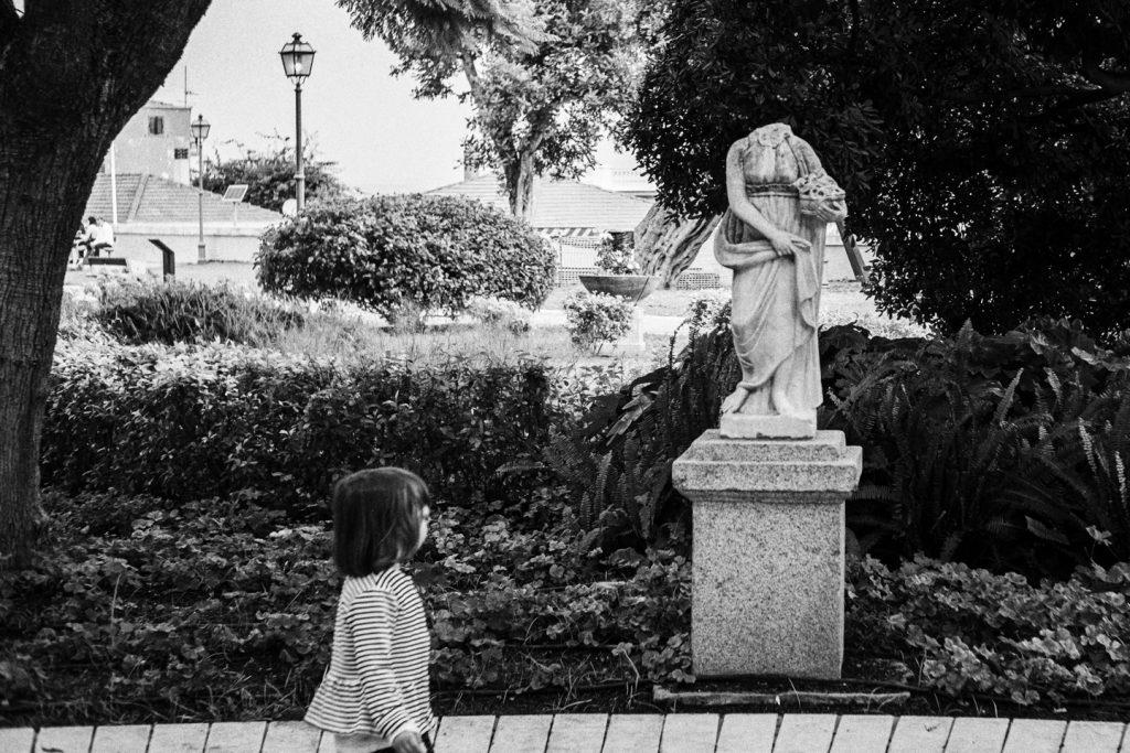 Cagliari 15 novembre 2020, domenica. Giardini pubblici. A questa statua manca la testa